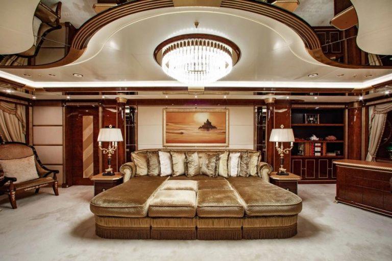 2010 Benetti AQUARIUM 203 Feets superyacht for sale For Super Rich