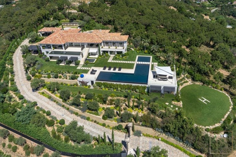 Villa Best View Gulf St-Tropez 6 BR - Grimaud, French Riviera available rental For Super Rich