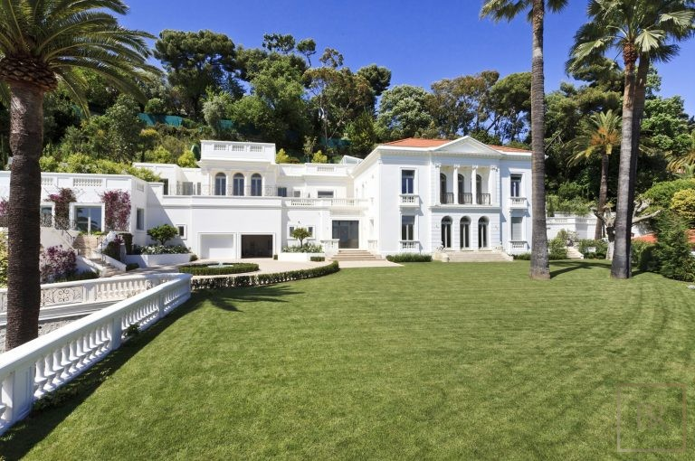 For super rich ultra luxury Villa Le Cannet France for rent holiday French riviera