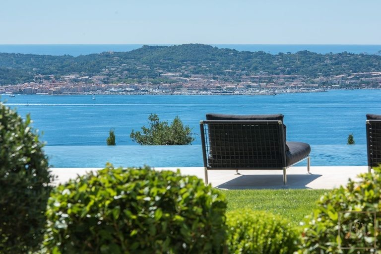 Ultra luxury home Grimaud France for rent holiday French riviera