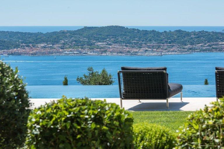 Villa Best View Gulf St-Tropez 6 BR - Grimaud, French Riviera property rental For Super Rich