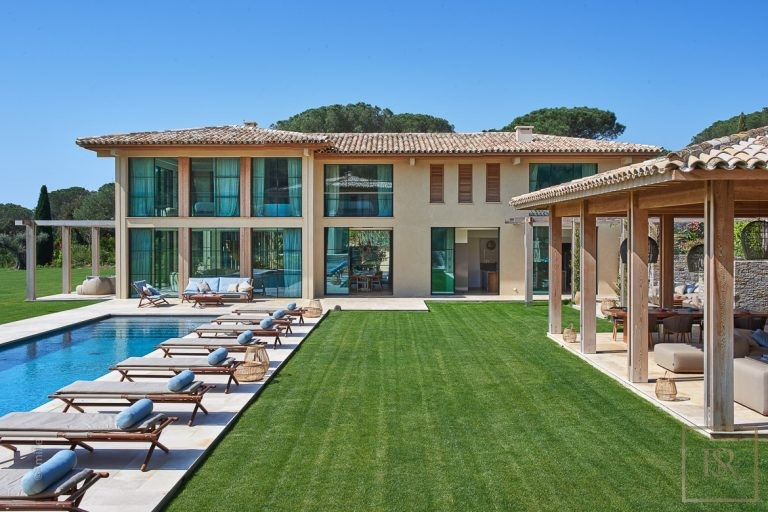 Ultra luxury properties La Croix-Valmer France for rent holiday French riviera