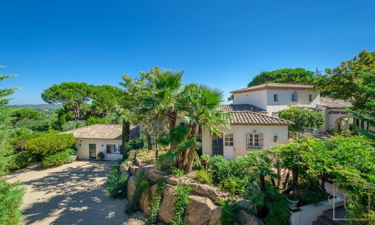 Villa Vineyards & Sea Views - Ramatuelle, French Riviera buy for sale For Super Rich