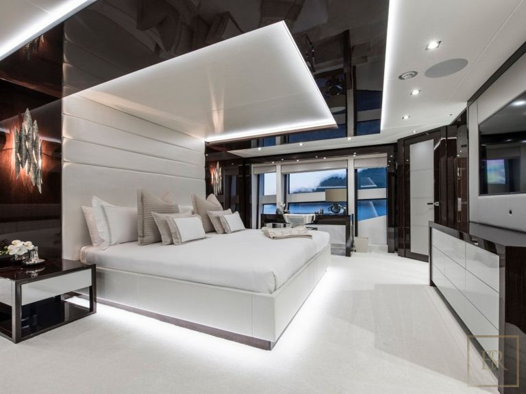 Sunseeker BERCO VOYAGER 40 Meters luxury charter rental For Super Rich
