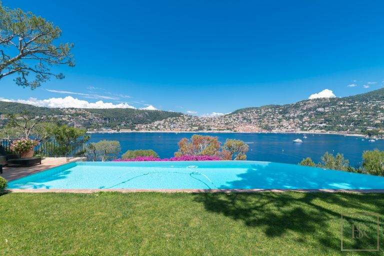For super rich luxury villa Saint-Jean-Cap-Ferrat France for rent holiday French riviera