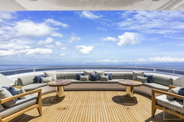 2000 Feadship 165 165 Feets luxury for sale For Super Rich