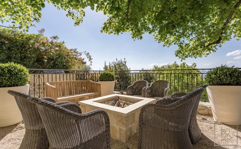 For super rich luxury villa Mougins France for rent holiday French riviera