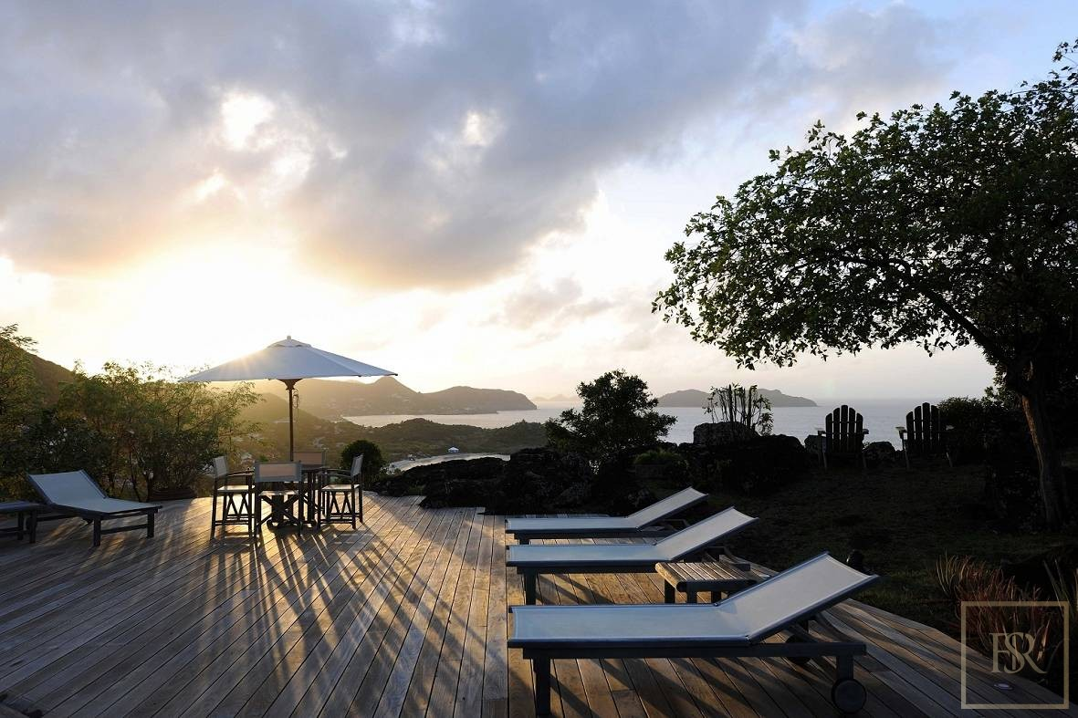 For super rich ultra luxury real estate properties homes, most expensive houses, buy unique penthouse apartment and ultimate villa in St Barth - Lorient St Barth St. Barthélemy for sale