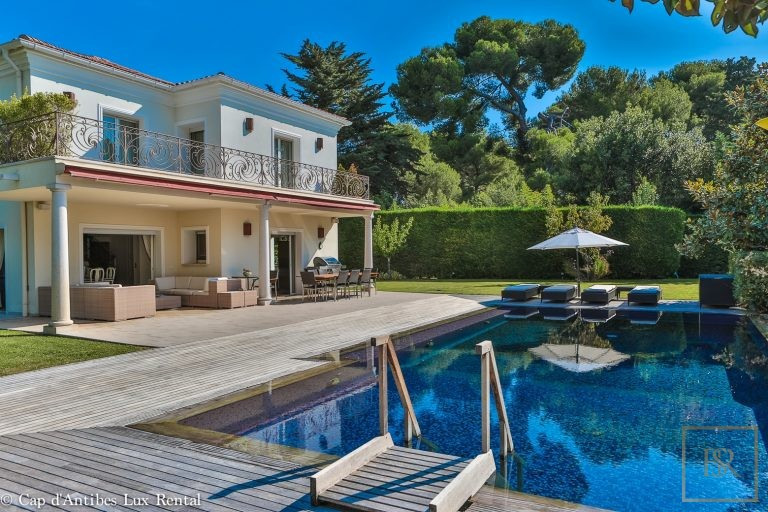 For super rich ultra luxury Villa Cap d'Antibes France for sale French riviera