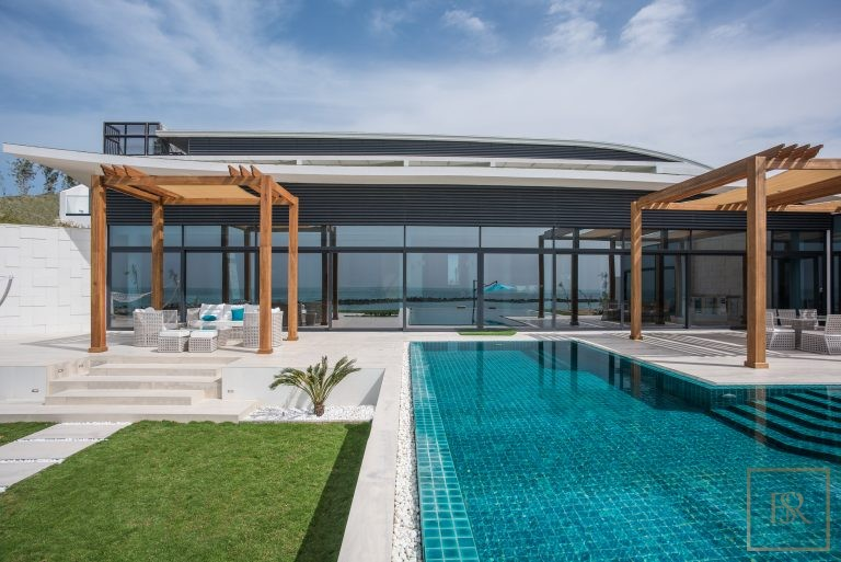 For super rich ultra luxury Villa Abu Dhabi UAE for rent holiday