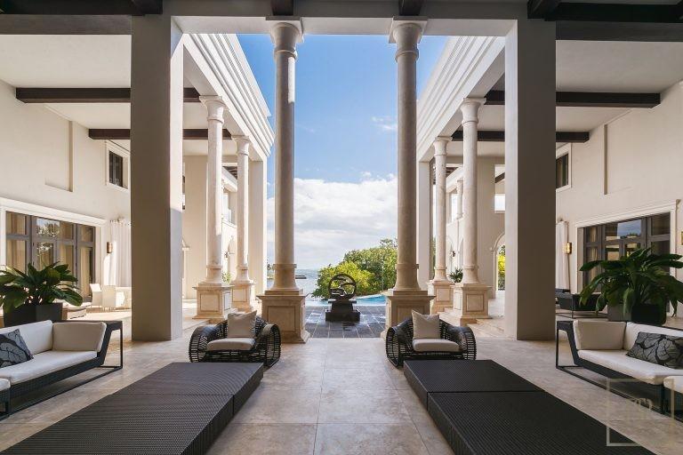 For super rich ultra luxury Villa Miami USA for sale