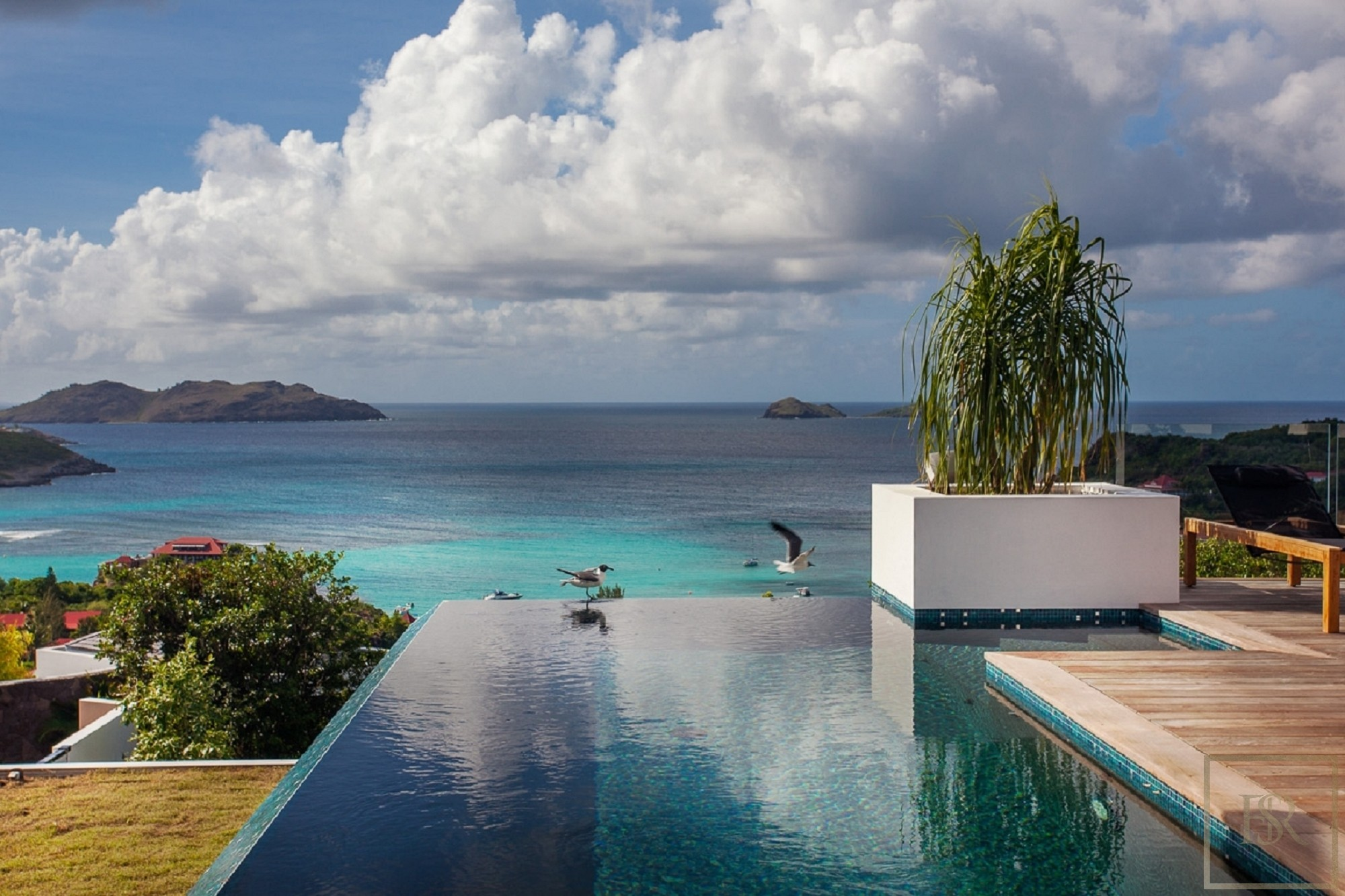 For super rich ultra luxury real estate properties homes, most expensive houses, rent unique penthouse apartment and ultimate villa in St Barth - Saint Jean St Barth St. Barthélemy for rent holiday