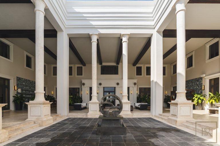 For super rich luxury villa Miami USA for sale