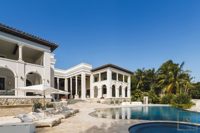 For super rich buy luxury properties Miami USA for sale