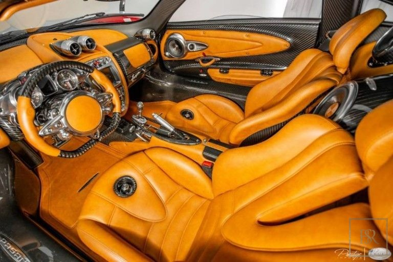 2014 Pagani HUAYRA photo for sale For Super Rich