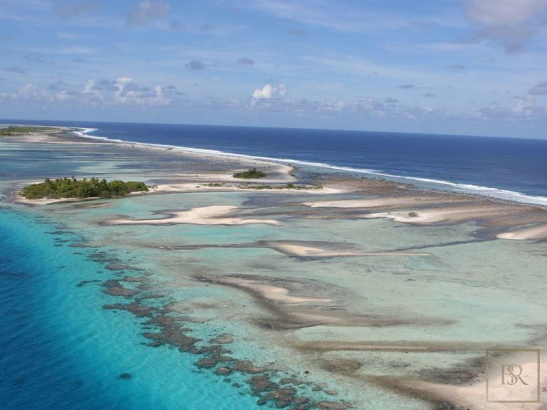 For super rich luxury villa Tuamotu Atoll Paradise with Private Airstrip French Polynesia for sale