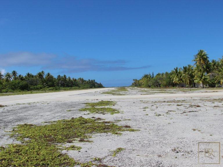 Ultra luxury prestigious villas Tuamotu Atoll Paradise with Private Airstrip French Polynesia for sale