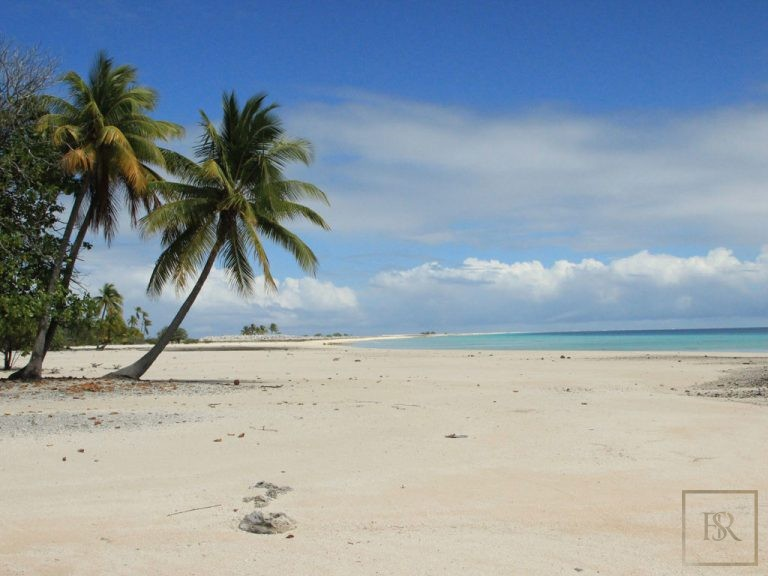 Ultra luxury home Tuamotu Atoll Paradise with Private Airstrip French Polynesia for sale