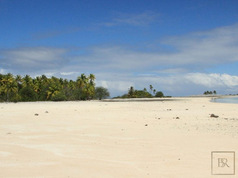 Ultra luxury properties Tuamotu Atoll Paradise with Private Airstrip French Polynesia for sale