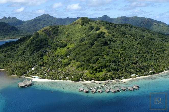 For super rich luxury villa Huahine French Polynesia for sale