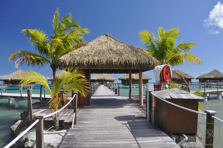 For super rich very expensive villas Huahine French Polynesia for sale