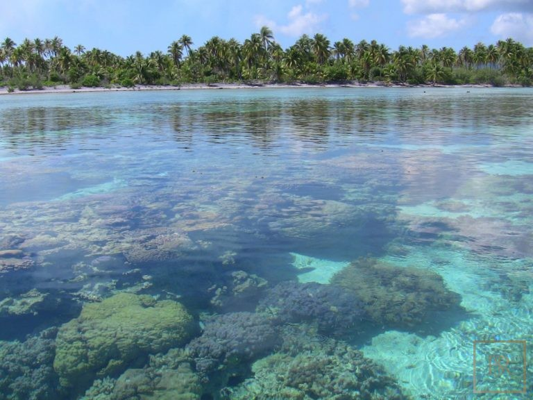For super rich ultra luxury real estate Taha'a Motu Moie French Polynesia for sale