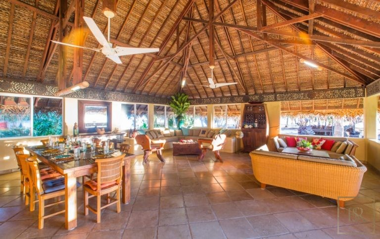 Ultra luxury property Taha'a Motu Moie French Polynesia for sale