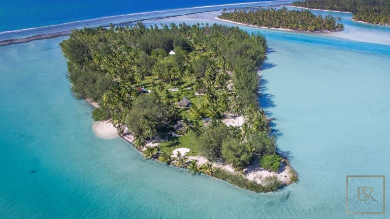 Ultra luxury prestigious villas Taha'a Motu Moie French Polynesia for sale