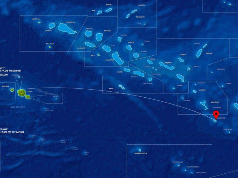 Private island, Tuamotu Atoll Paradise with Private Airstrip