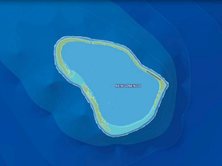 For super rich villa Tuamotu Atoll Paradise with Private Airstrip French Polynesia for sale
