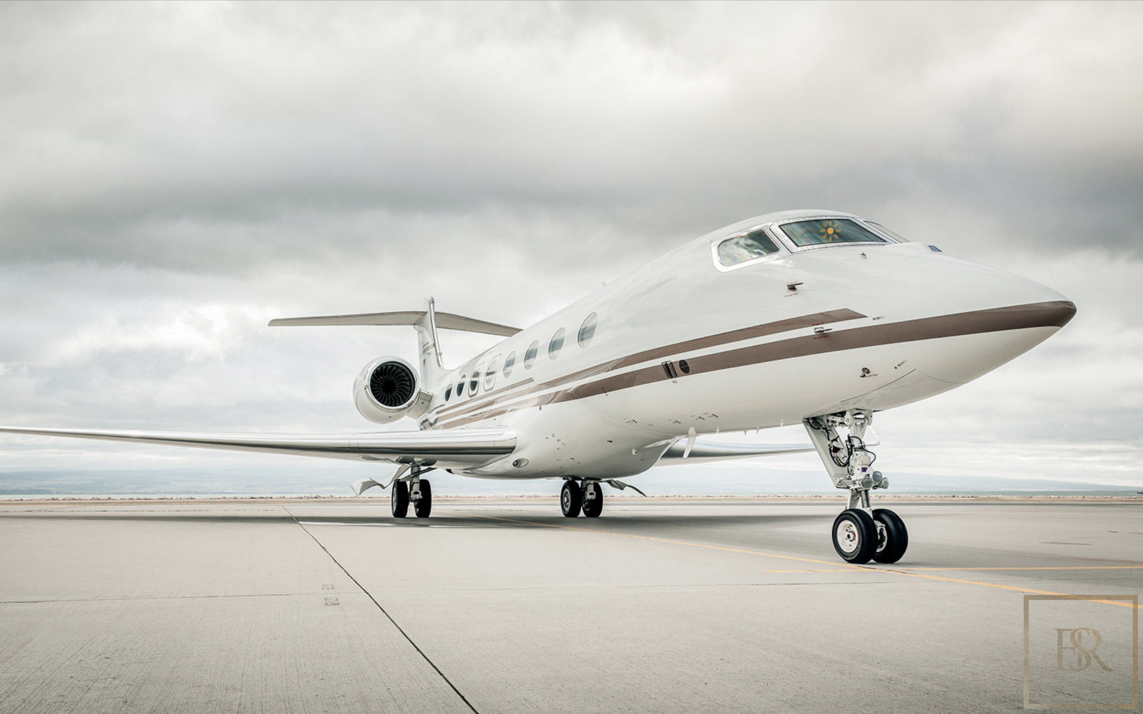 Most expensive aircraft, luxury private jets Bombardier Global express, Falcon Dassault, Gulfstream for charter for super rich