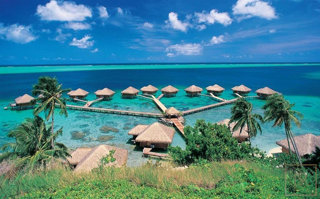Hotel 40 sublime luxury bungalows - Huahine, French Polynesia for sale For Super Rich