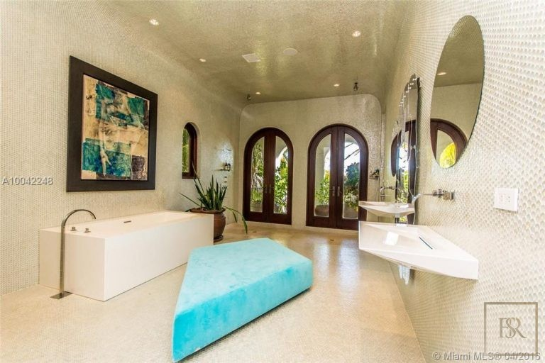 House PALM ISLAND 16 Palm Ave - Miami Beach, USA exclusive for sale For Super Rich