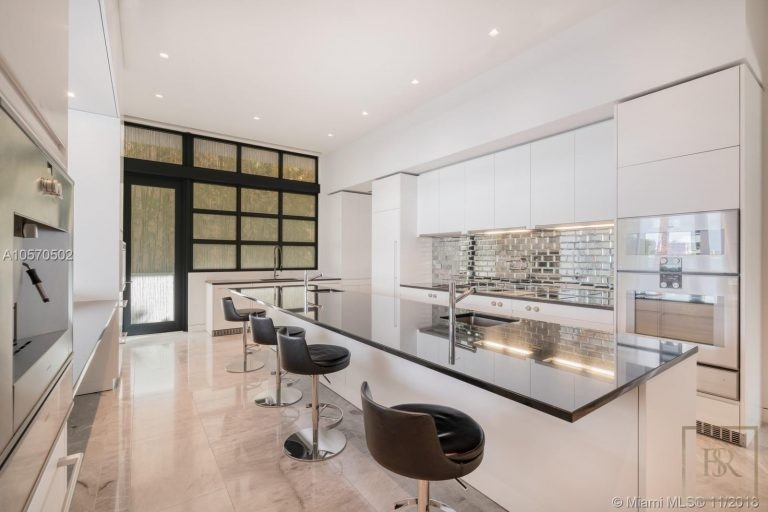House HIBISCUS ISLAND 101 N Hibiscus Dr - Miami Beach, USA real estate for sale For Super Rich