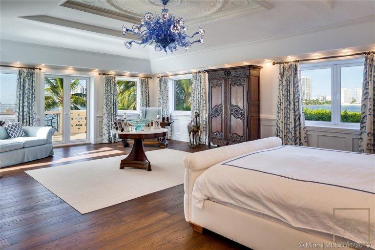 For super rich buy ultra luxury villa Miami Beach USA for sale
