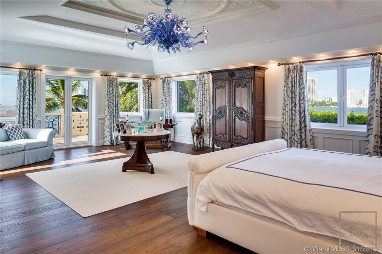 House STAR ISLAND 46 Star Island Dr - Miami Beach, USA photo for sale For Super Rich
