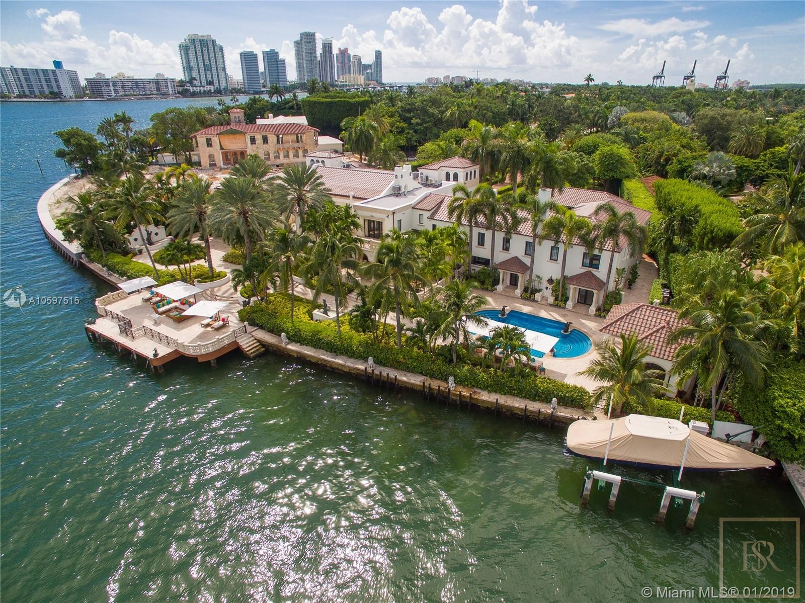 For super rich ultra luxury real estate properties homes, most expensive houses, buy unique penthouse apartment and ultimate villa in Miami Beach USA for sale
