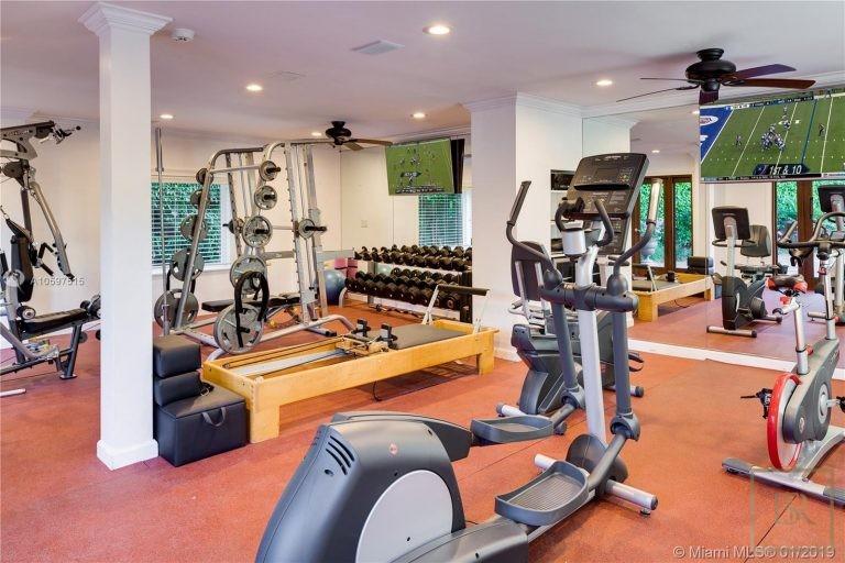For super rich luxury home, house, property, villa Miami Beach USA for sale