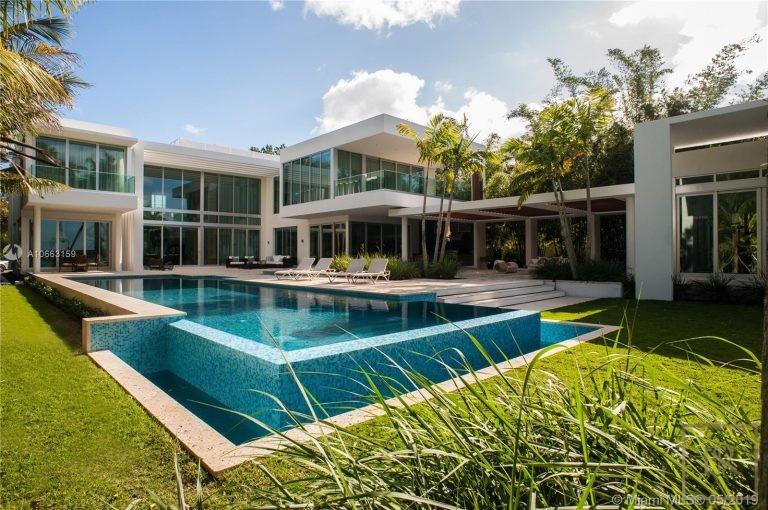 For super rich villa Miami Beach USA for sale