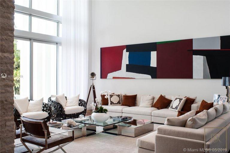 For super rich ultra luxury real estate Miami Beach USA for sale