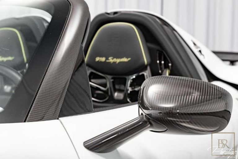 2015 Porsche 918 SPYDER supercar for sale For Super Rich