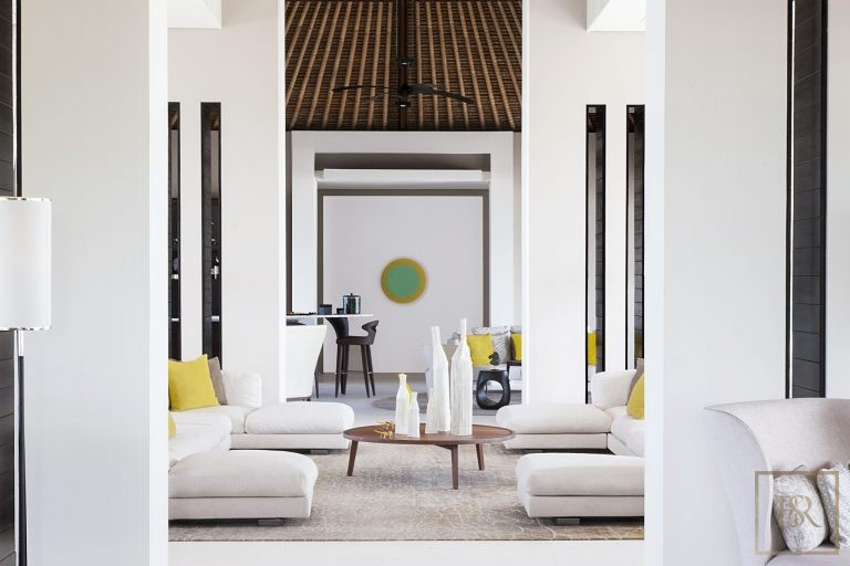 Ultra luxury prestigious villas Randheli Maldives for rent holiday