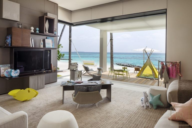 For super rich very expensive villas Randheli Maldives for rent holiday