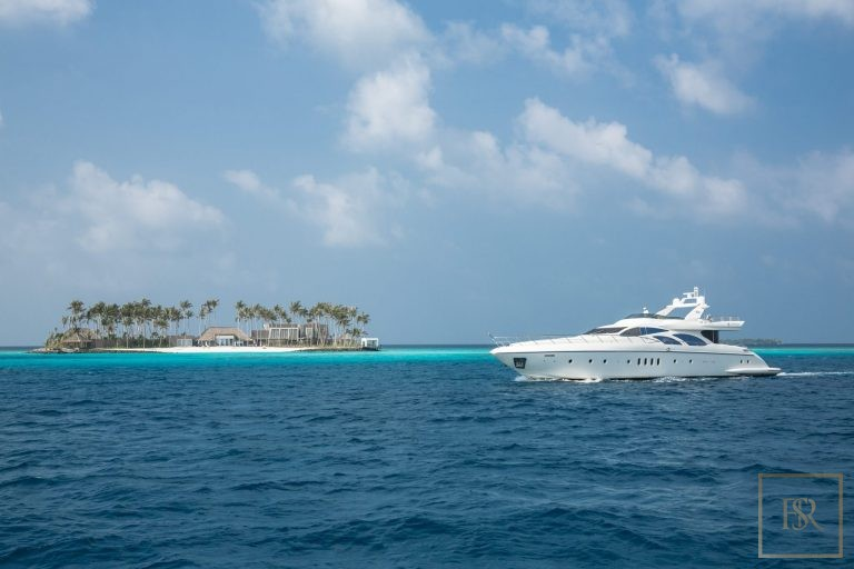 For super rich luxury villa Randheli Maldives for rent holiday