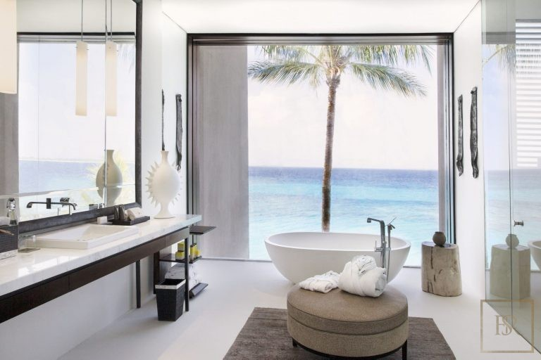 Ultra luxury home Randheli Maldives for rent holiday