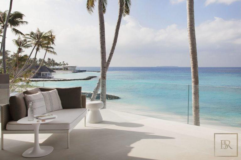 Ultra luxury house Randheli Maldives for rent holiday