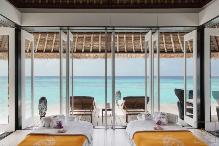 Most expensive properties Randheli Maldives for rent holiday
