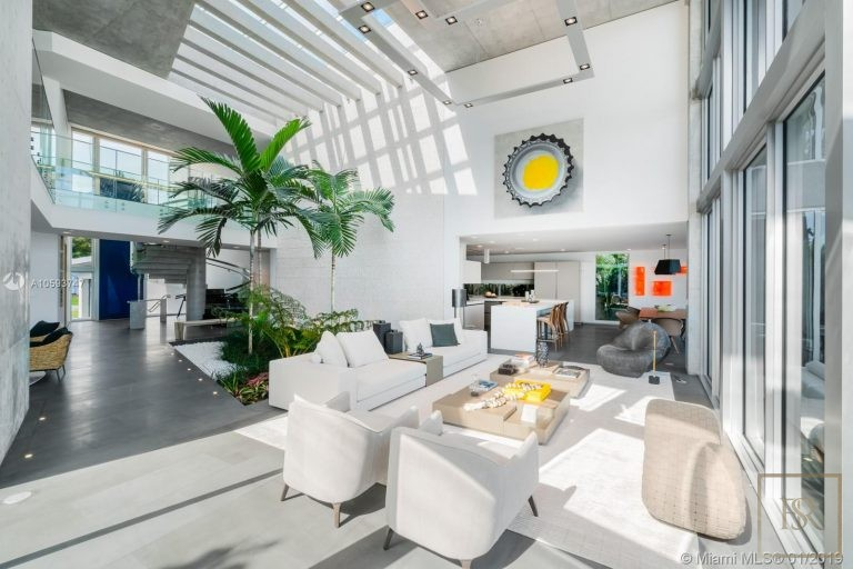 House 35 E Dilido Dr - Miami Beach, USA deal for sale For Super Rich