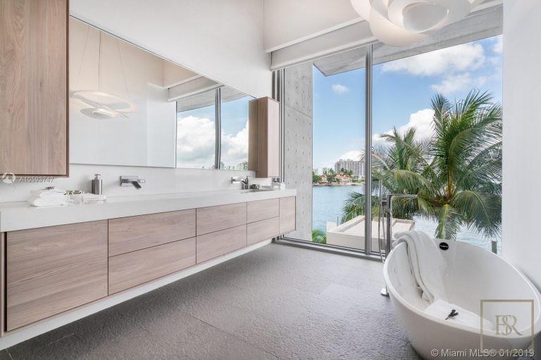 House 35 E Dilido Dr - Miami Beach, USA price for sale For Super Rich