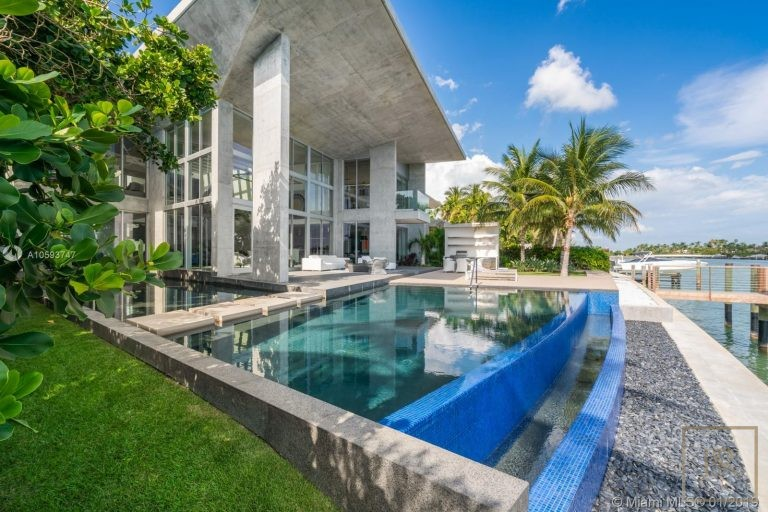 House 35 E Dilido Dr - Miami Beach, USA Used for sale For Super Rich